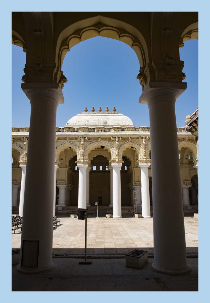 Thirumalai-Nayak-Palace_3