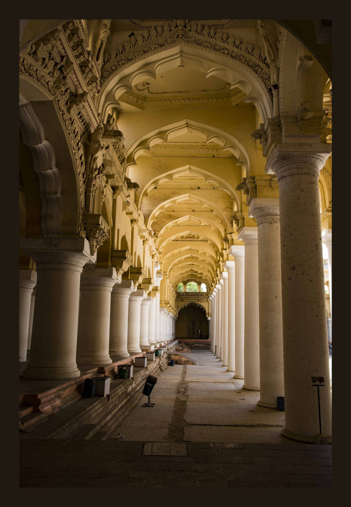 Thirumalai-Nayak-Palace_4